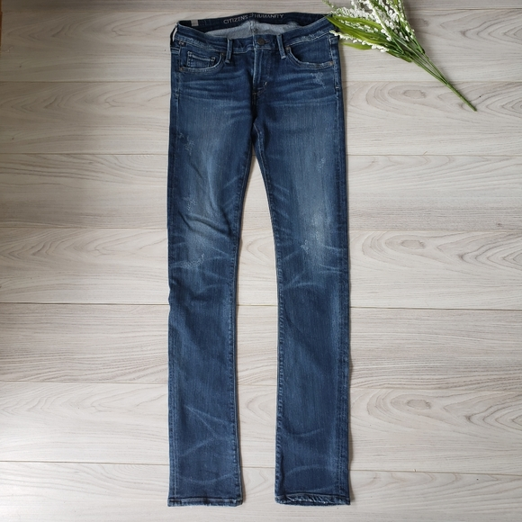 Citizens Of Humanity Denim - CITIZENS OF HUMANITY  distressed straight leg C6